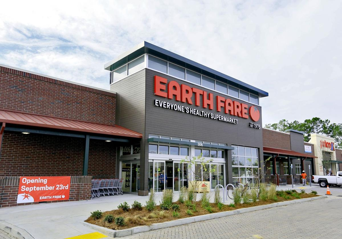 Summerville Marketplace to welcome Earth Fare, Petco