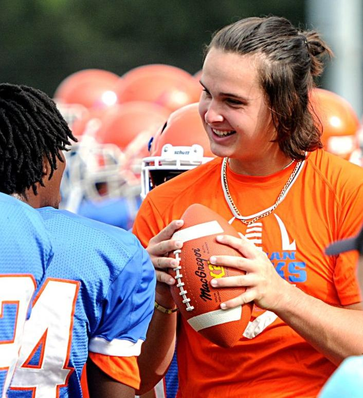 Clemson Changes Football Offer To Hanahan S Cooper Dawson Ahead Of