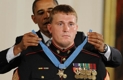Obama awards Medal of Honor to Marine