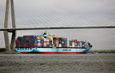 Maersk, rivals drop plan to form alliance as China objects