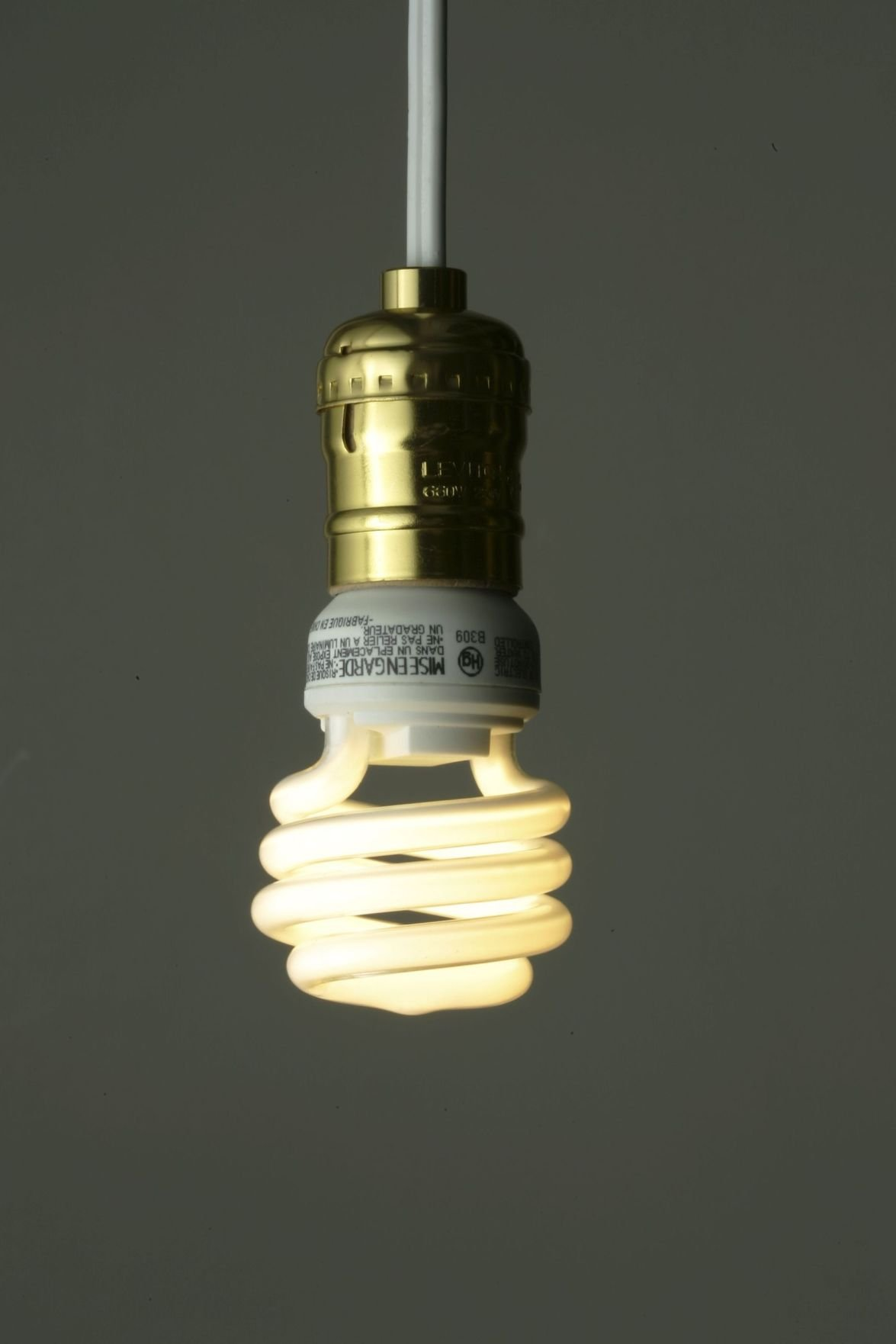 GE plans to phase out compact fluorescent light bulbs
