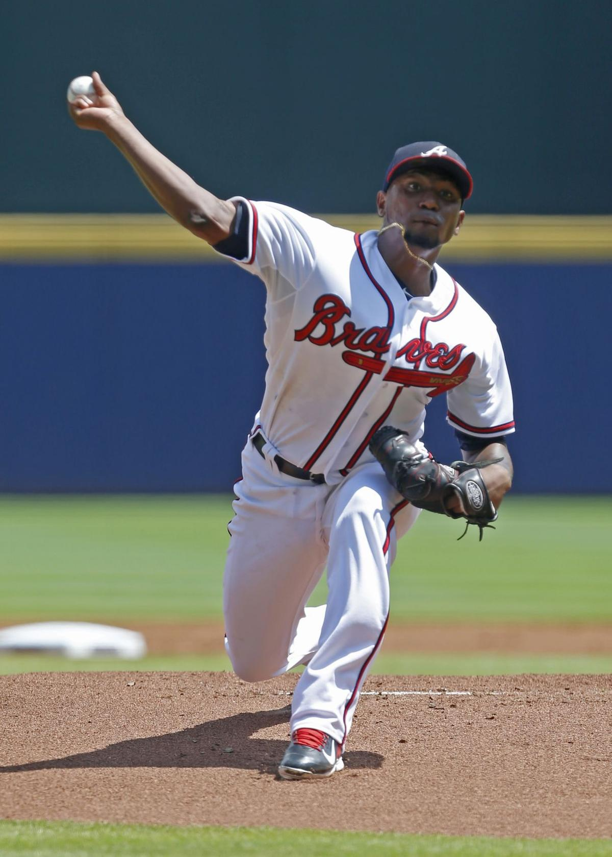 Teheran gets no help from bats as Braves fall to Dodgers
