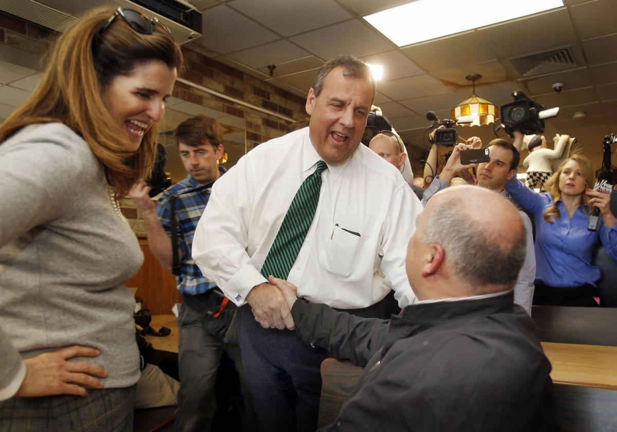 New Jersey Gov. Chris Christie's wife leaves Wall Street job