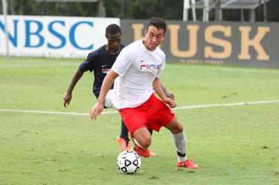 North Carolina boys roll to Clash of the Carolinas win
