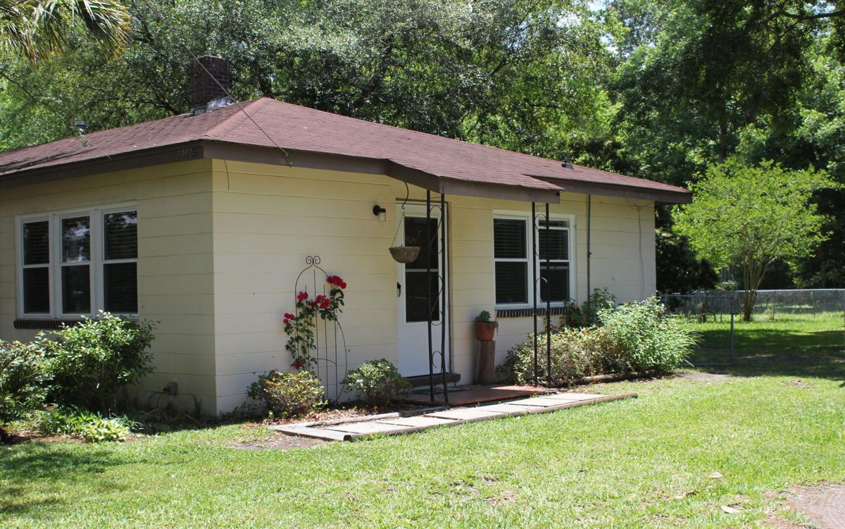 1753B Skinner Ave. — West Ashley duplex cottage provides cozy interior space, sizable yard as rental