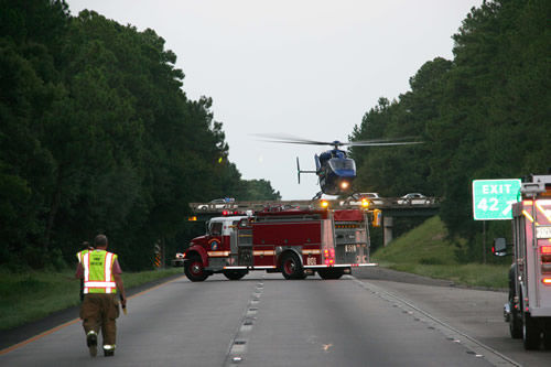 I-95 van crash kills two, injures nine