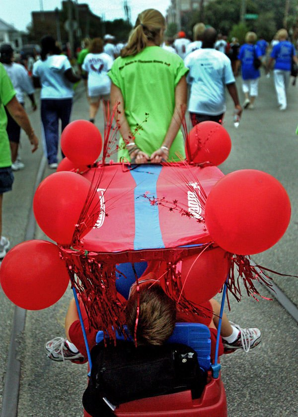 4,000 to take walk for heart health