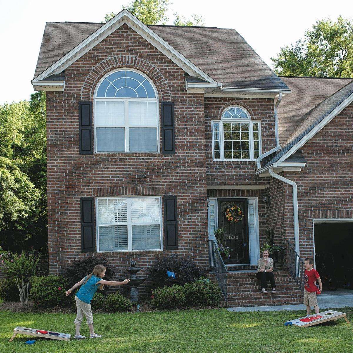 Feeling Grove-y: Contrasting builders frame homes in upscale Dorchester County village near Ashley River