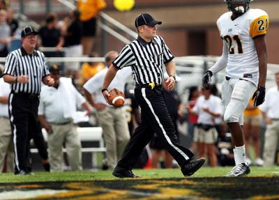 Wanted: Young refs: Harder to recruit, retain high school football officials