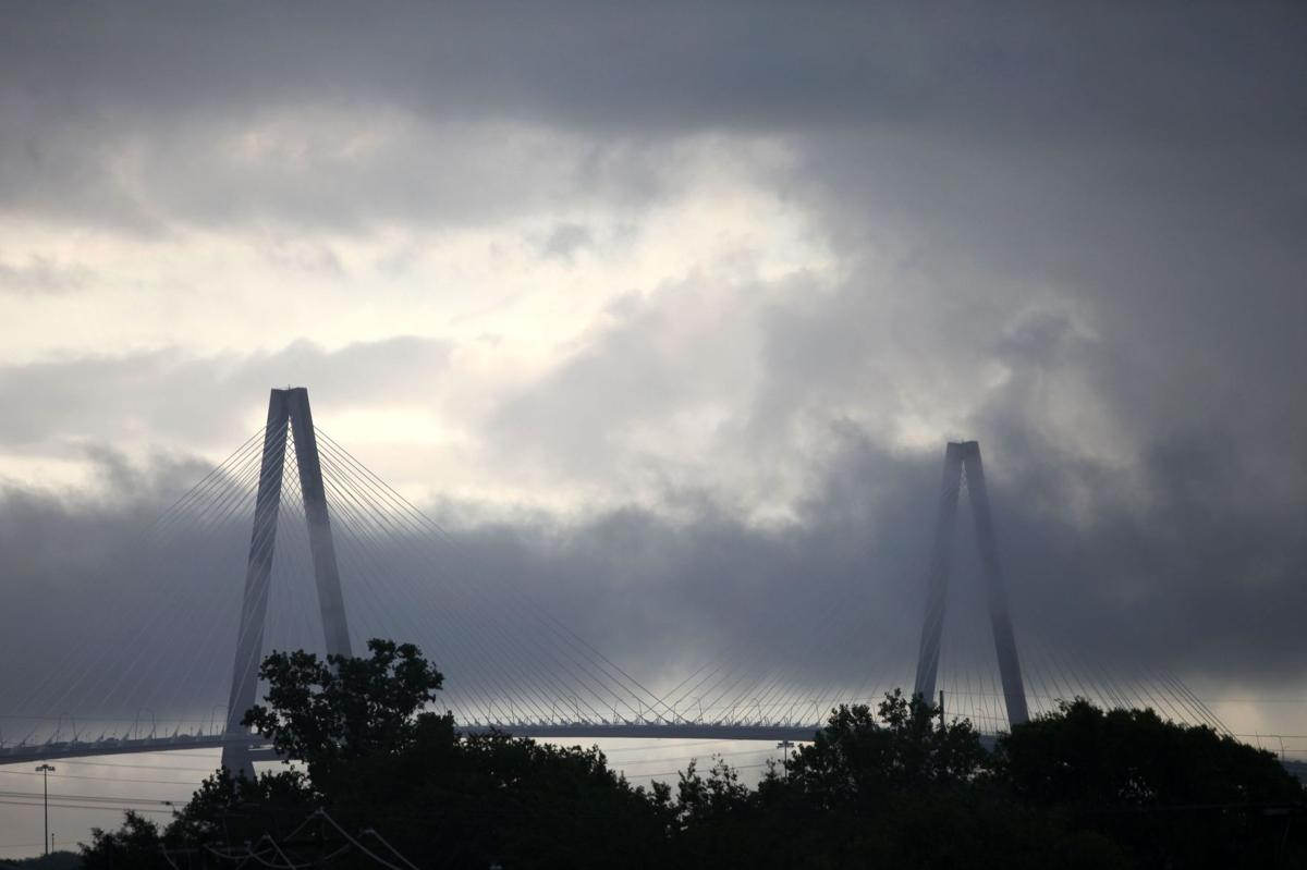 Charleston police investigating death of male who jumped from Ravenel Bridge