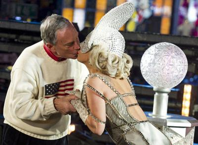 PEOPLE: NYC Mayor Bloomberg says girlfriend's kiss better than Lady Gaga's