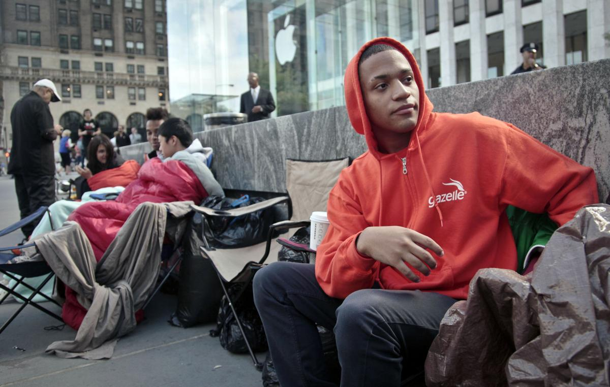 Apple's iPhone 5 isn't only payoff for waiting in line