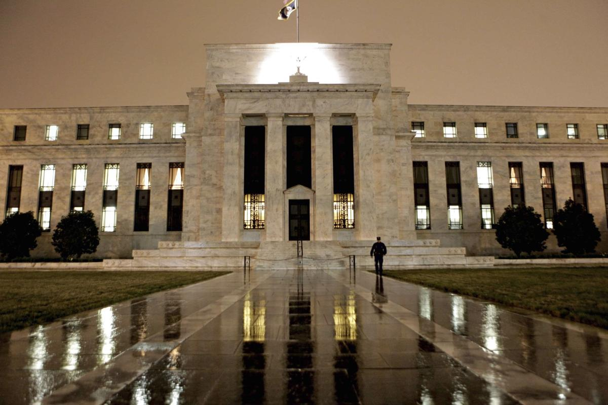 Dimmer view of economy makes Fed pullback unlikely