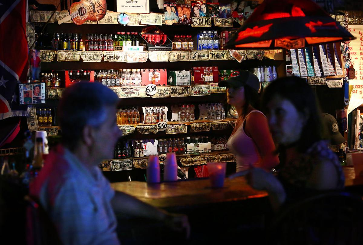 mainpic Richards Bar
