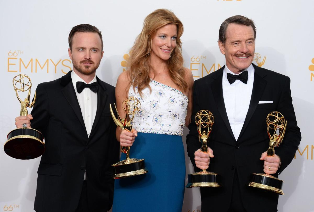 'Breaking Bad' and 'Modern Family' triumph over online series at Emmy Awards
