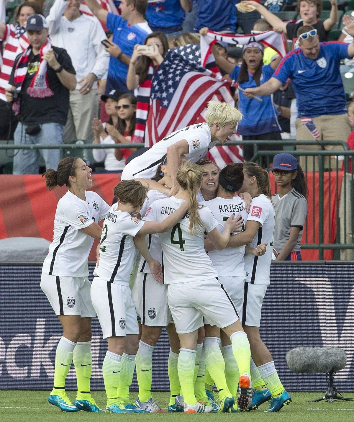 U.S. women march into quarterfinals