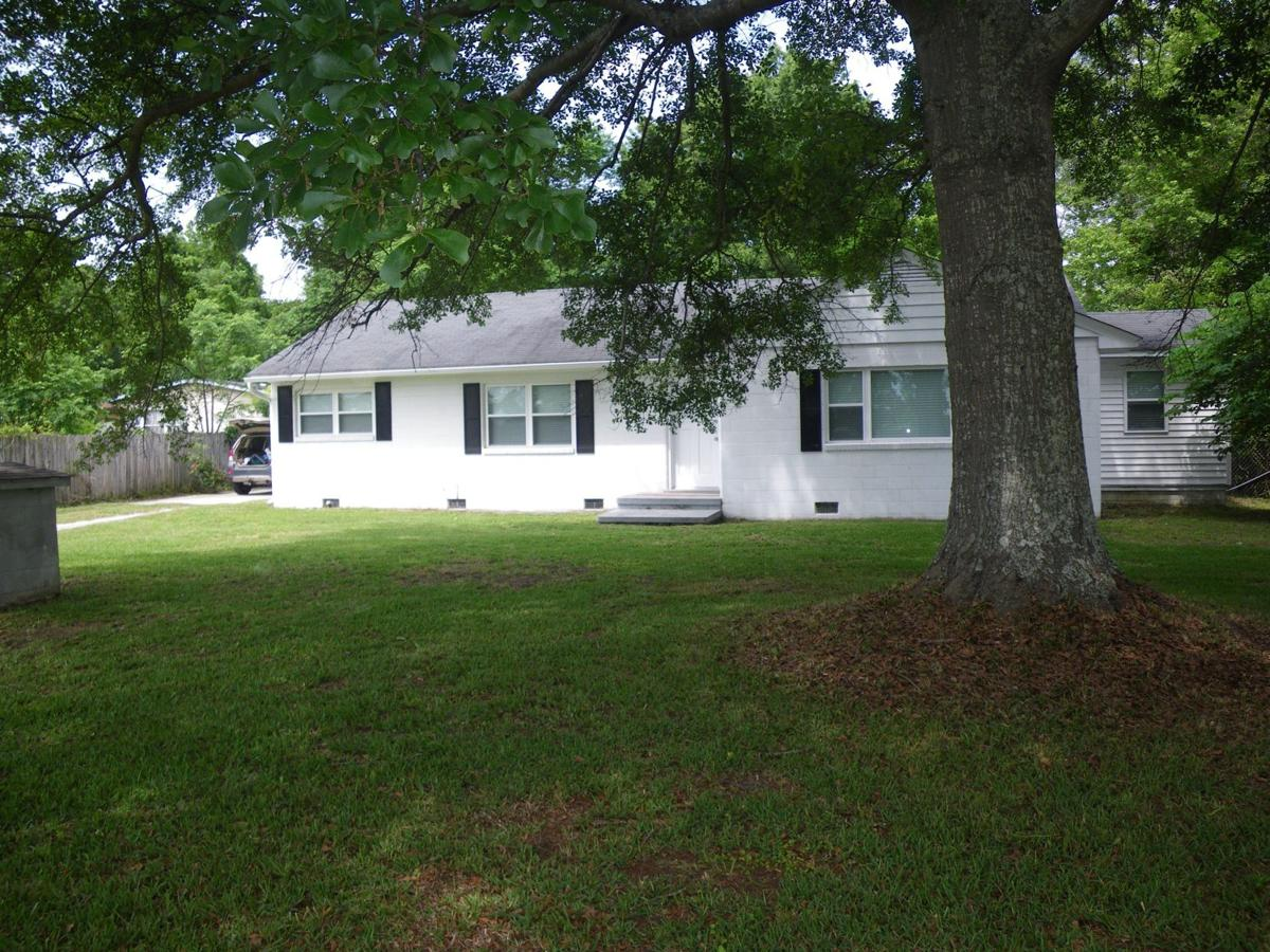 1467 Main St. — Brick rental house in Bonneau provides small-town living not far from thoroughfares