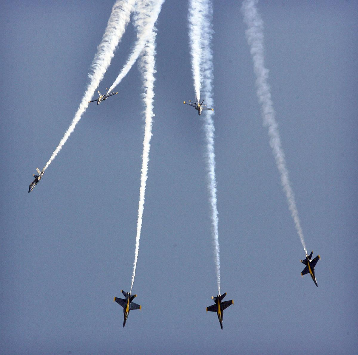 Sunday Blue Angels Show