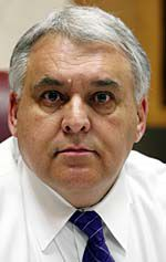 Berkeley schools chief quits, will keep getting paid