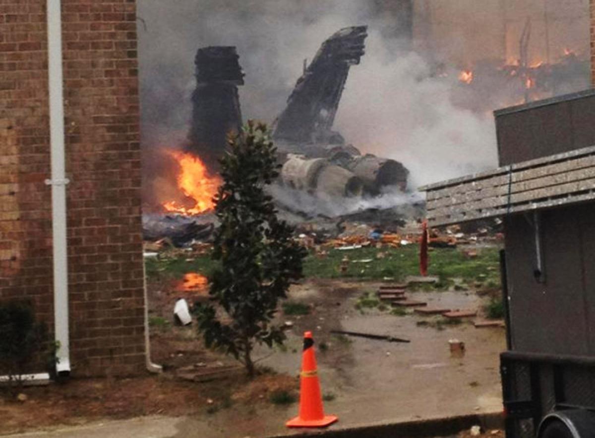 Navy jet crashes into Va. complex