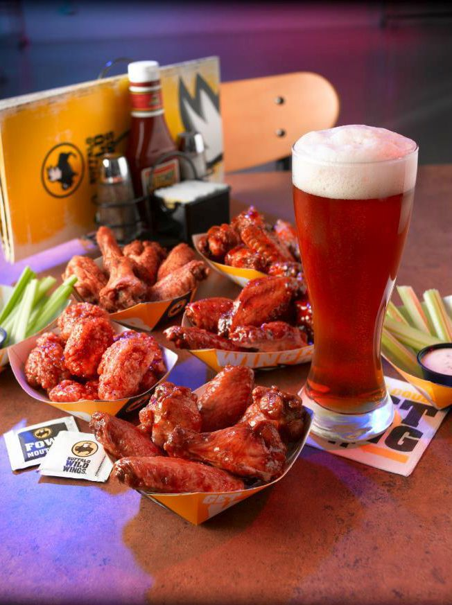 Former server sues Buffalo Wild Wings in N. Charleston for wage ...