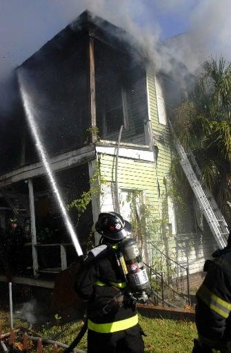 Charleston firefighters control downtown blaze