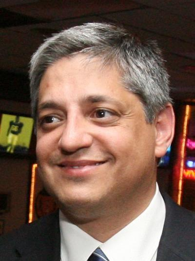 State Rep. Leon Stavrinakis running for mayor of Charleston