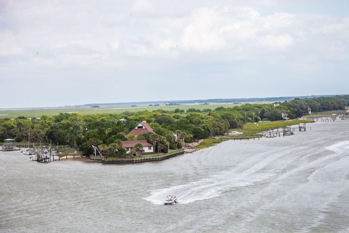Isle of Right: Homebuyers willing to pay extra to live down by the shore, river or harbor on greater Charleston islands