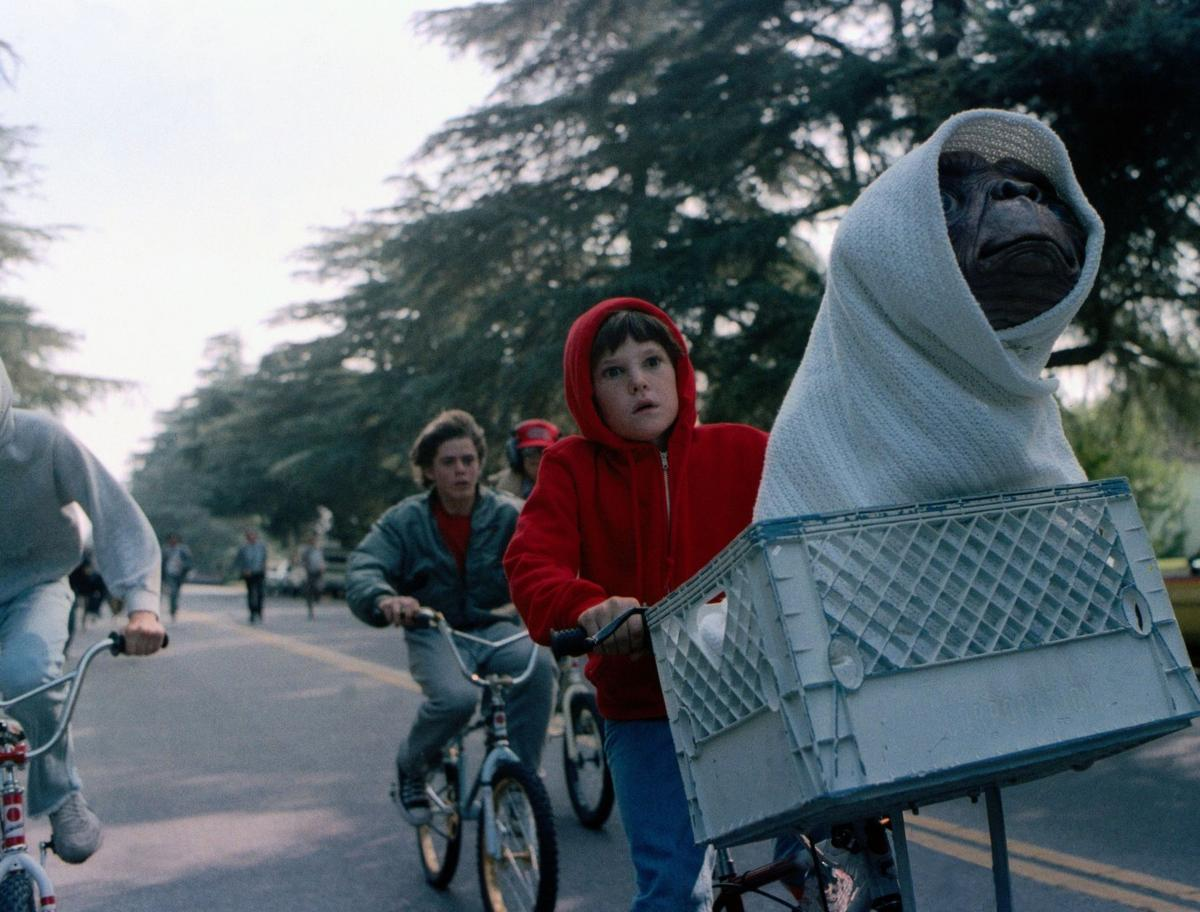 E T To Phone Home Again Charleston Scene Postandcourier Com