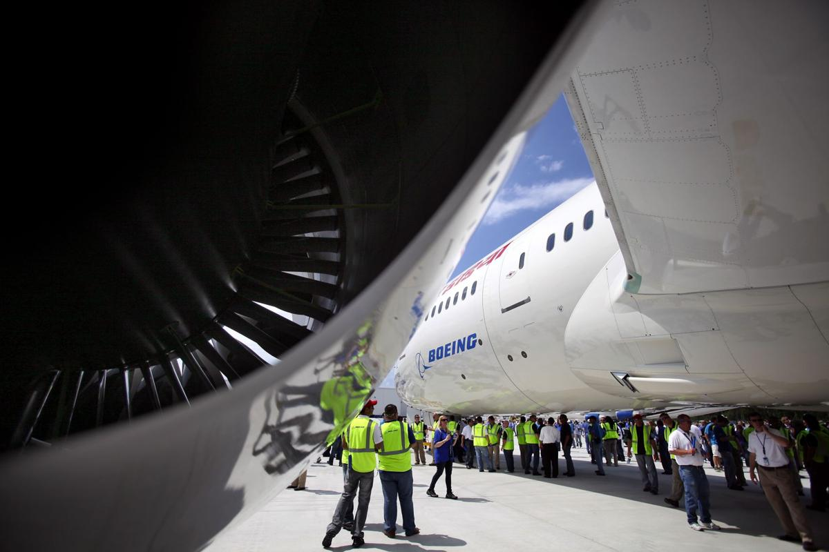 Investigator on site to probe cause of 787 engine failure in N. Charleston
