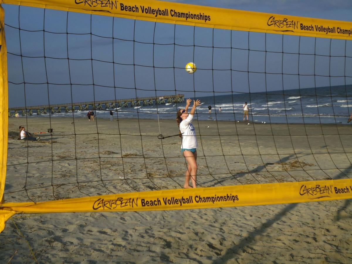Pay volleyball out of bounds