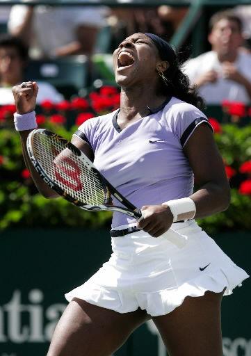 Serena Williams tops Sharapova at Family Circle Cup