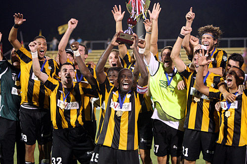 Battery set the tone for title run early