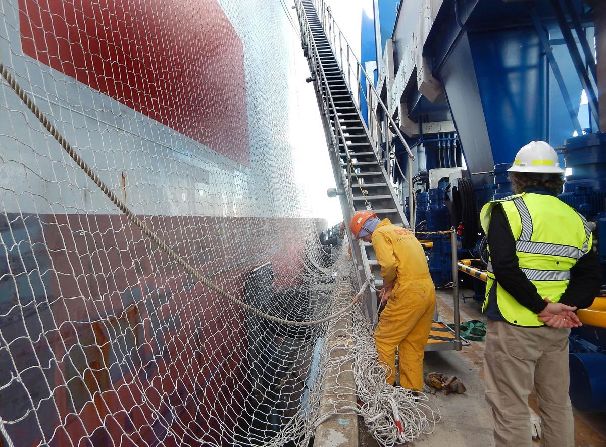 pc-120218-fe-seafarers ladder.jpg