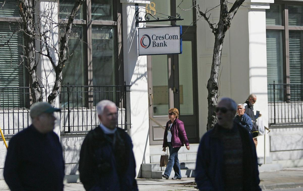 CresCom Bank's owner reports earnings, announces dividend