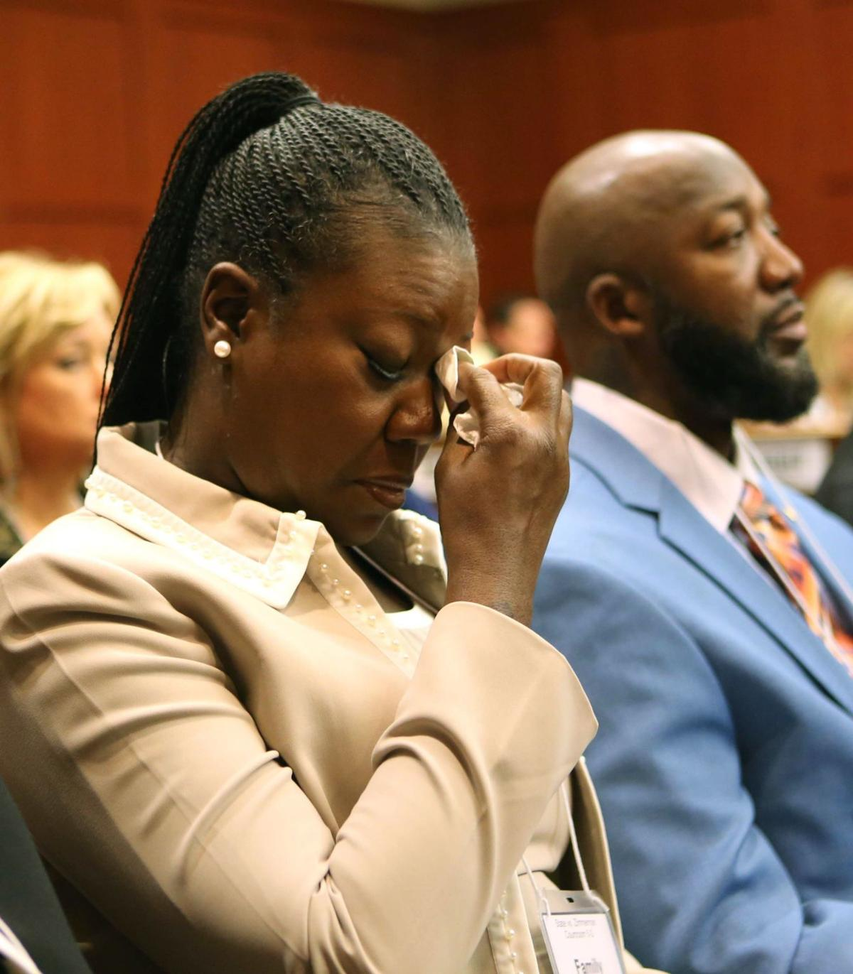 Zimmerman trial: Expletives and a joke Explosive Trayvon Martin case opens in Florida