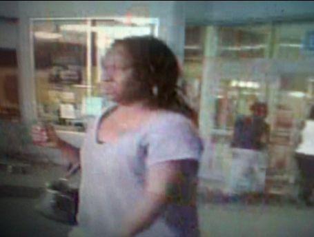 Police pursue wallet thief