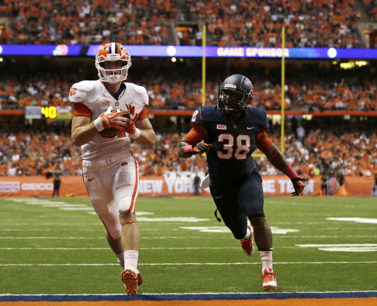 Swinney believes in tight ends, turned off by announcers' criticism