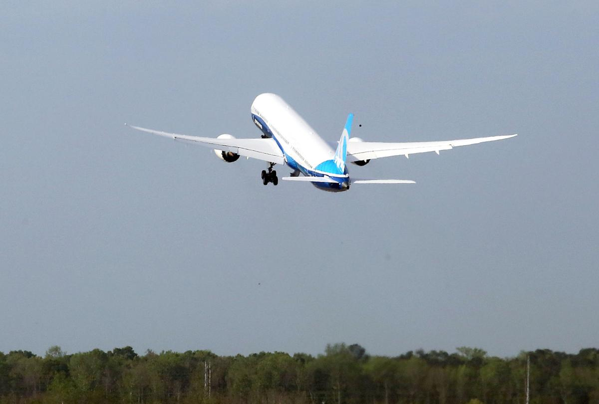 Boeings north charleston built 787 10 has successful first test boeing 787 10 dreamliner sciox Images