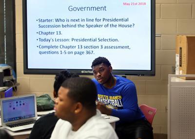 government class clarendon schools.jpg (copy) (copy)