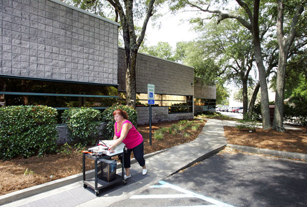 Mt. Pleasant moving day: Town offices relocate to newer building in high-profile location