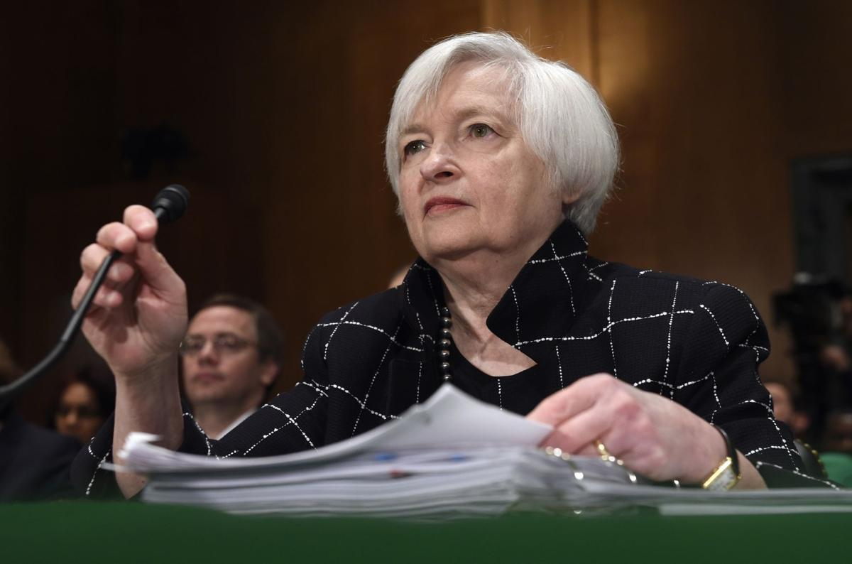 While leaving US rates unchanged, Fed keeps an eye overseas