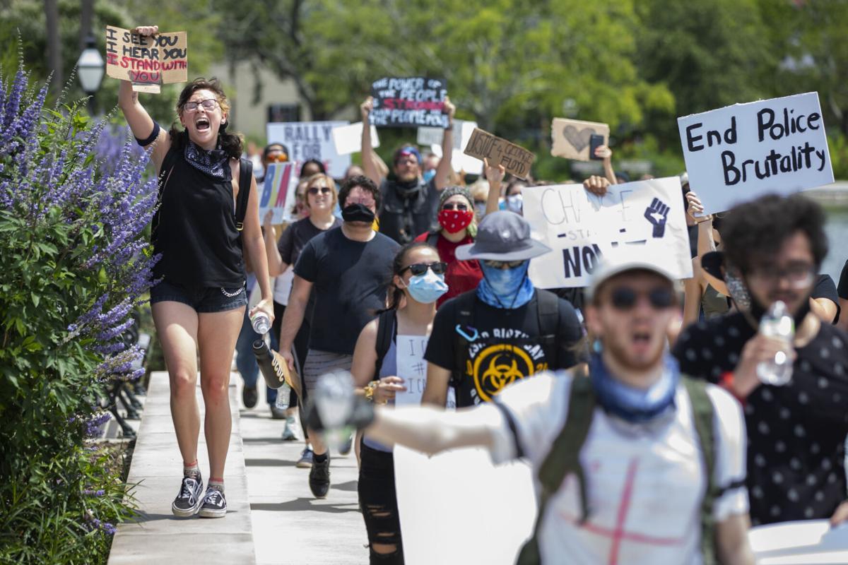Colonial Lake protestors.jpg