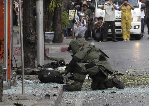 Bangkok blast wounds Iranian attacker, 4 others