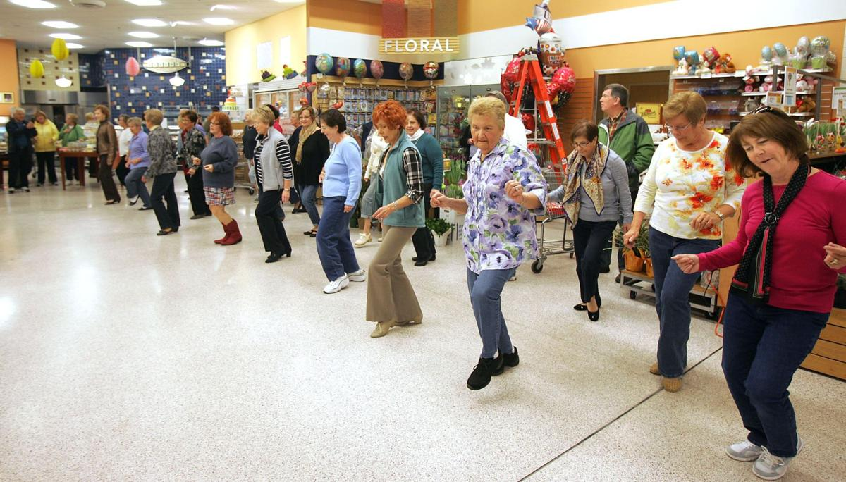 Flash mob erupts during Senior Day at Publix