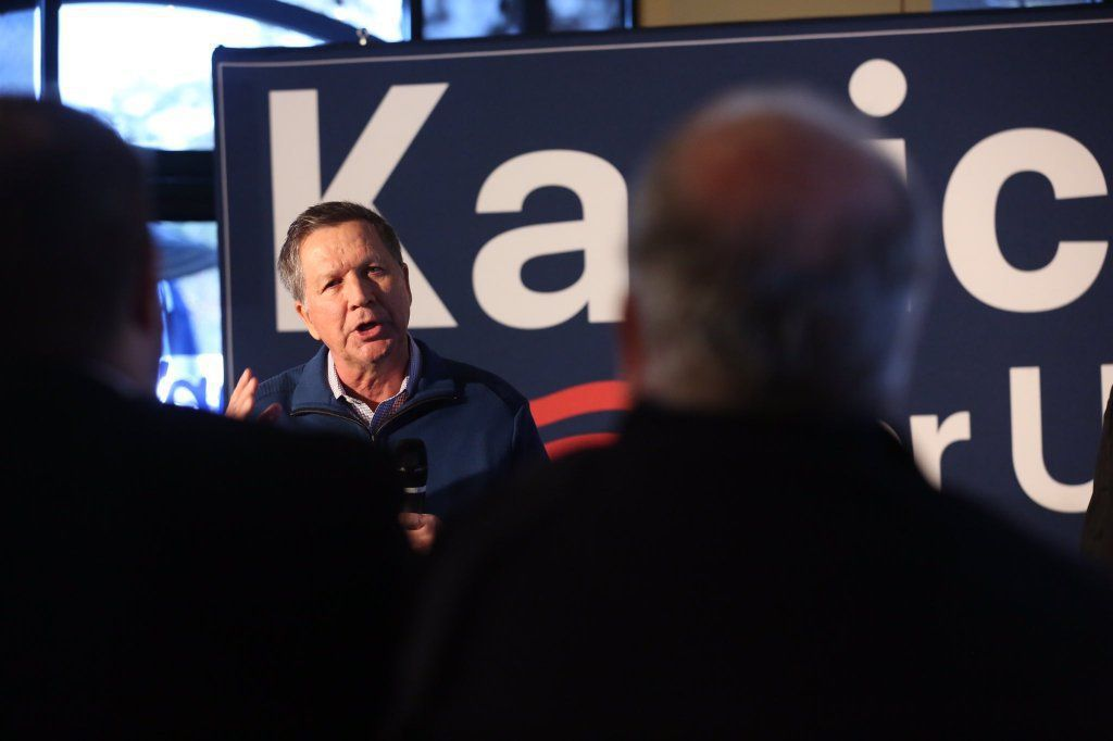 Kasich promises tax cuts, balanced budget while touring Charleston area