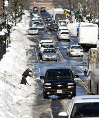 Mayor criticized over snow removal