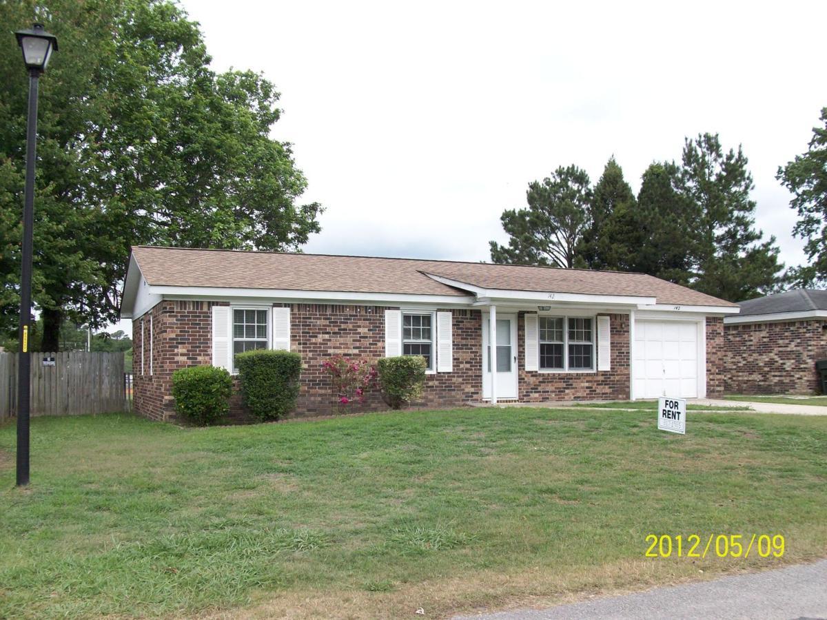 142 Red Cedar Drive — Large yard, ballpark sights spotlight three-bedroom Goose Creek house for rent