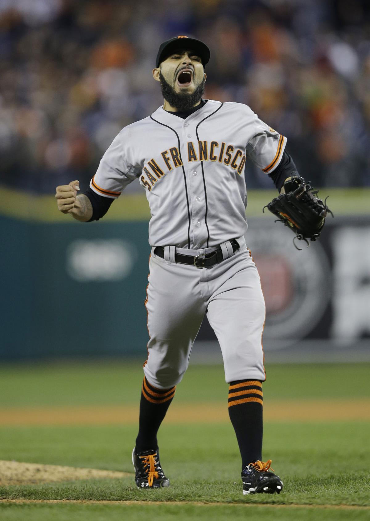 Shutout of Tigers puts Giants on brink of title