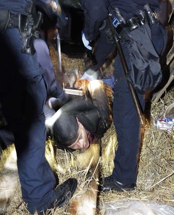 Police raid Occupy Oakland